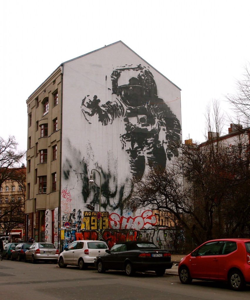 street art in berlin two feet one world. Black Bedroom Furniture Sets. Home Design Ideas