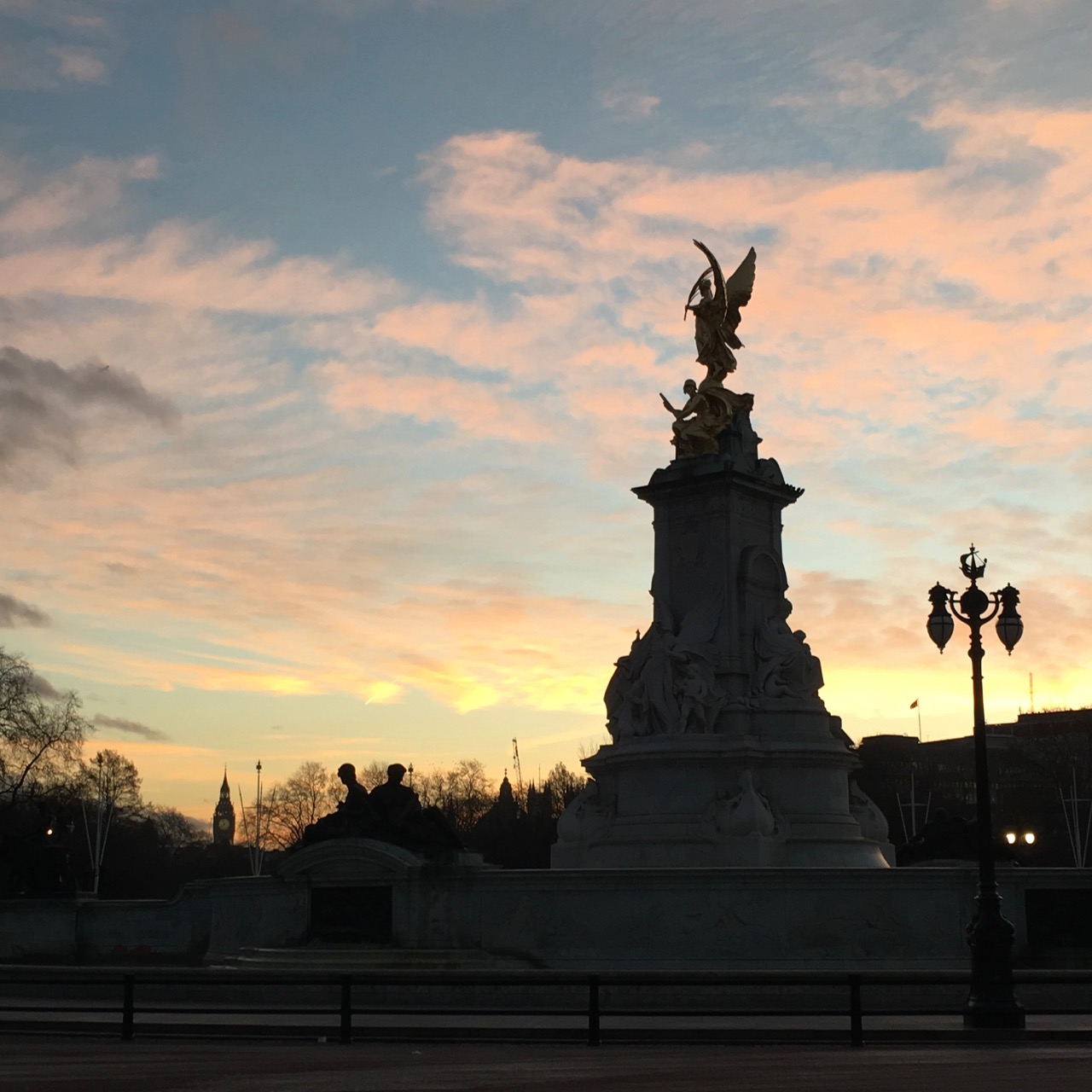 Sunrise, London